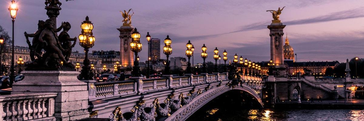 El famoso puente de París Pont alexandre