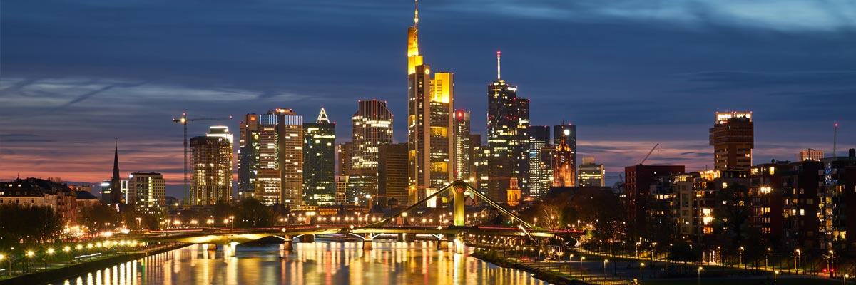 Frankfurt Brücke bei Nacht