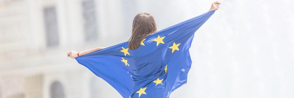 Une fille avec un EU Flagg