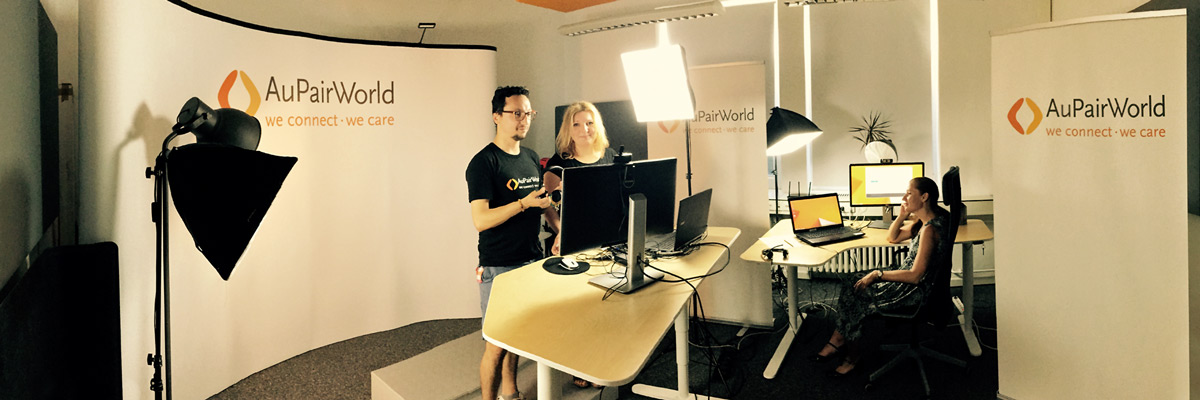 Silvia and the webinar team from AuPairWorld at the studio