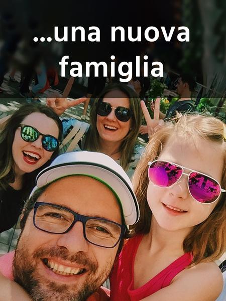 Selfie di una famiglia felice