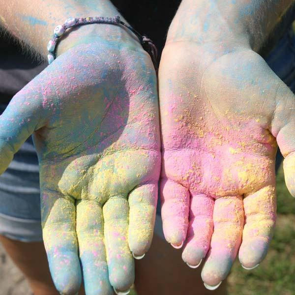 Manos de colores