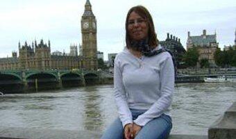 Jeune fille au pair Audrey à la Tamise à Londres