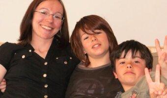 Fabienne ensemble avec ses deux fils