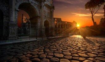 L'Arc de Constantin dans la lumière du soleil couchant